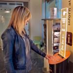 Na przystankach autobusowych w Grenoble pojawiły się automaty, które drukują darmowe opowiadania i wiersze dla oczekujących pasażerów.