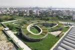 Nowa szkoła w Wietnamie ma ogromny ogród na dachu i uczy zrównoważonego rozwoju