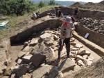 Na Górze Zyndrana w Polsce południowej odkryto wielkie kamienne budowle, gród i warownie sprzed 4.200 lat (2.200 p.n.e.)