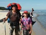 Kilka dni temu w Krynicy Morskiej – Piaskach, swoją pieszą wyprawę wzdłuż wybrzeża, zakończyła dziesięcioletnia Oliwia Kowalska z Bytomia