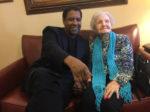 Denzel Washington odwiedził swoją bibliotekarkę z dzieciństwa, aby życzyć jej wszystkiego najlepszego z okazji 99. urodzin