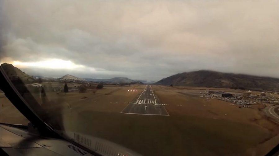 Strzelanina W Nowej Zelandii Film Image: Niesamowity Film Lądowania Lotnisku Queenstown W Nowej