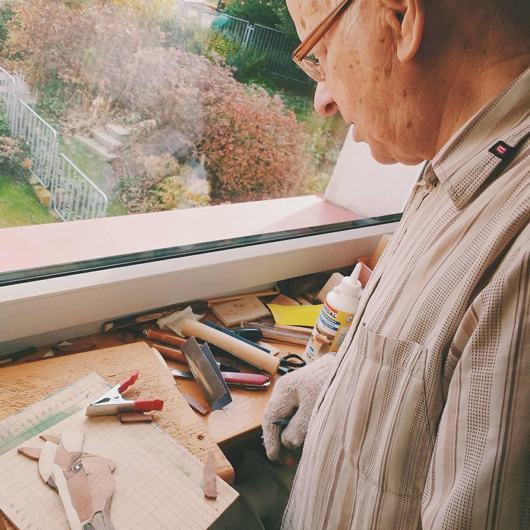 Władysław Mnich (85 l) tworzy na emeryturze piękne, drewniane dzieła