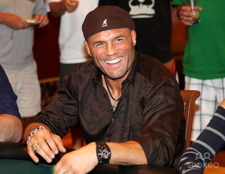Były wojownik UFC uratował życie sześcioosobowej rodzinie