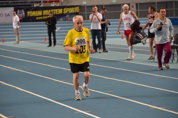 Pan Stanisław ma 106 lat, wystartował w mistrzostwach Polski weteranów w lekkiej atletyce