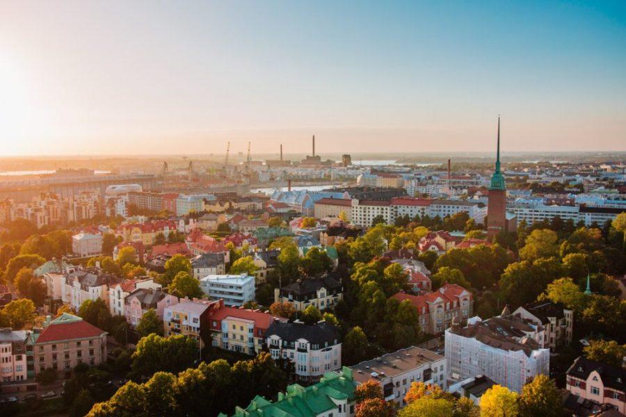 Finlandia testuje rewolucyjny pomysł, daje obywatelom 560 euro za nic