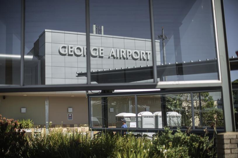 Lotnisko, które działa tylko dzięki słońcu. Pierwsze w Afryce, drugie na świecie