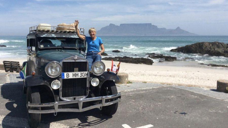 79-latka objechała świat 87-letnim autem