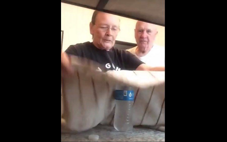 Babcia pokazała dziadkowi magiczną sztuczkę