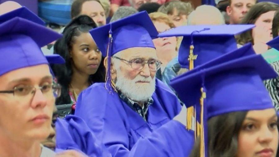 W wieku 101 lat ukończył liceum. Teraz wybiera się na studia