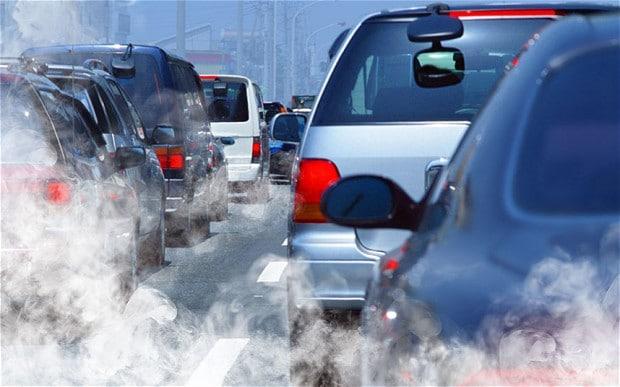 Francja do 2040 roku chce całkowicie zakazać aut spalinowych