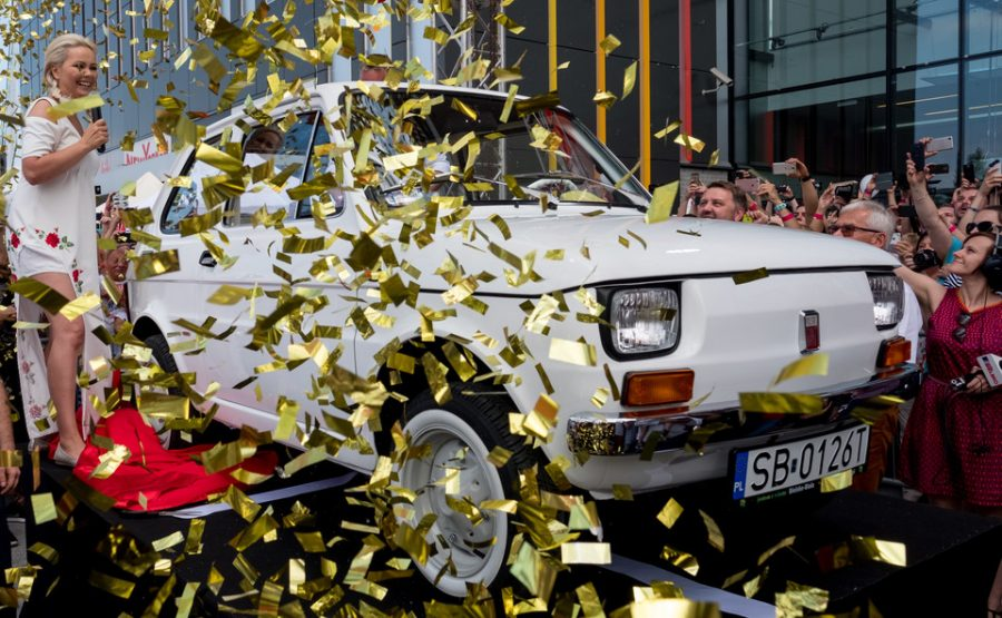 Bielszczanie zobaczyli Fiata 126p, którego otrzyma w prezencie aktor Tom Hanks
