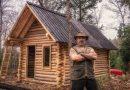 Przy pomocy prostych narzędzi, sam, zbudował sobie dom w lesie