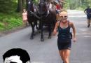 75 latka w ciągu godziny wbiegła nad Morskie Oko, wyprzedzając w tym czasie 5 wozów konnych