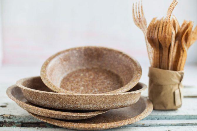 Биоразлагаемая посуда из Польши покоряет мир. Посмотрите на тарелки из отрубей