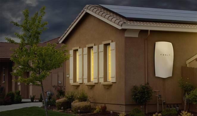 Bateria Powerwall – nowy wynalazek od Tesli, który może zrewolucjonizować rynek energii