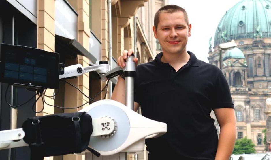 Luna – robot, który ćwiczy z pacjentem