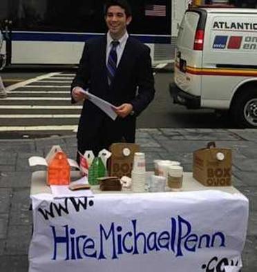 Absolwent Michael Penn rozdaje pączki, żeby zdobyć pracę na Wall Street
