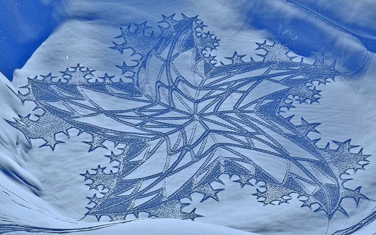 Sztuka na śniegu. Brytyjczyk tworzy niezwykłe obrazy we Francji