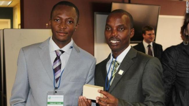 Dwóch afrykańskich studentów wynalazło mydło, chroniące przed malarią