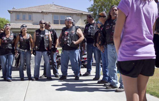 Międzynarodowy gang motocyklowy, który pomaga dzieciom