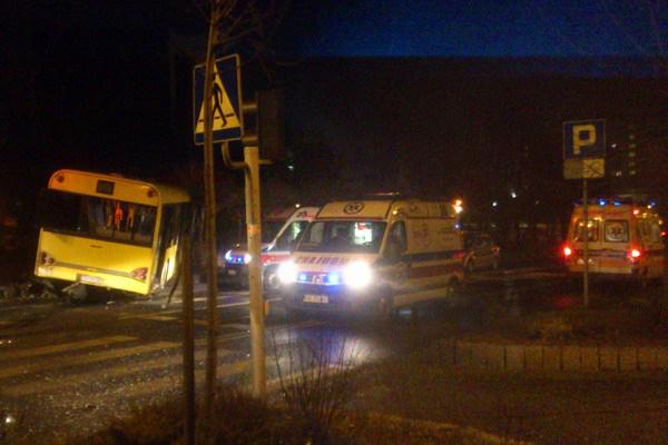 Żołnierz żandarmerii wojskowej uratował ośmioro rannych w wypadku w Katowicach
