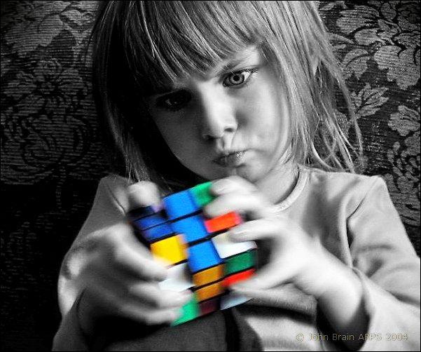 Dziś cały świat bawi się Kostką Rubika