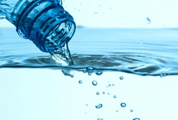 Picie wody na pusty żołądek jako skuteczne lekarstwo na wiele chorób