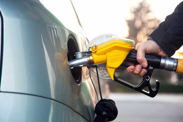Litr benzyny za 3,86 zł? Przedsiębiorca z Wrocławia rozpoczął produkcję paliwa tańszego niż u przemytników
