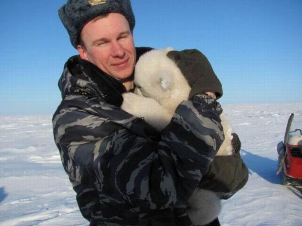 Na ratunek niedźwiadkowi sierocie