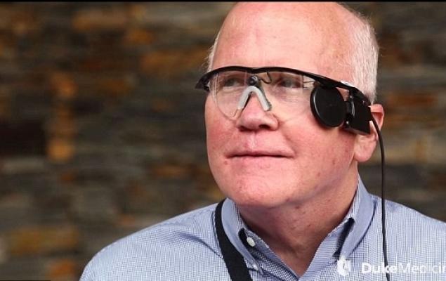 Rewolucyjne bioniczne oko częściowo przywróciło wzrok pacjentowi