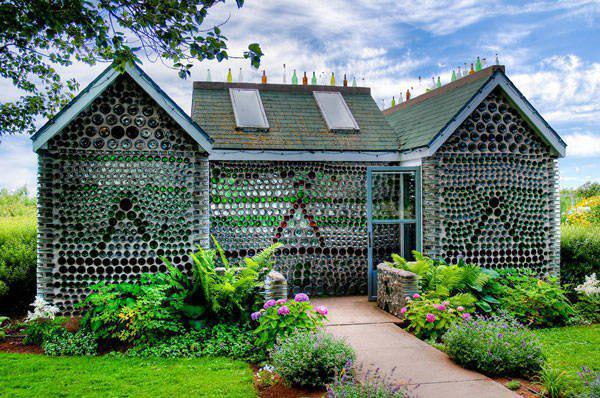 Domy wybudowane z nietypowych materiałów