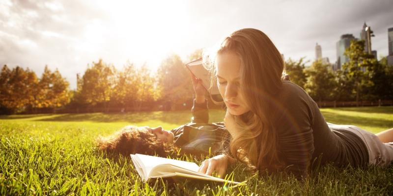 Naukowcy dowodzą, że wszystkie książki które czytamy zmieniają nas. I to na stałe!