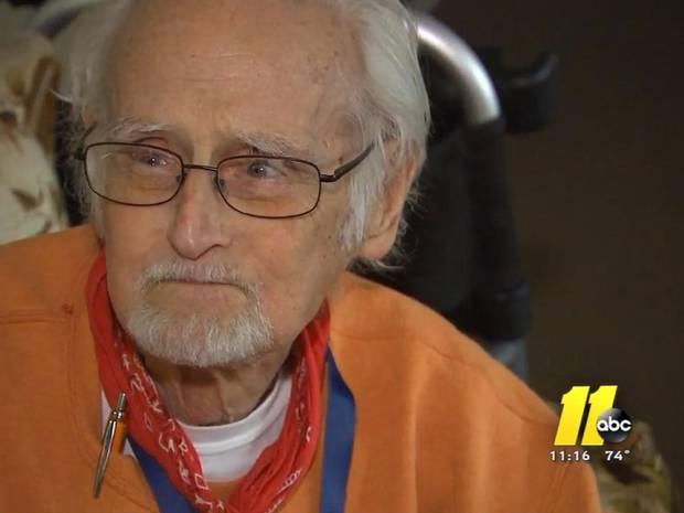 Niepełnosprawny mężczyzna zadzwonił na policję z nietypową prośbą